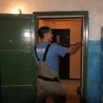 Правильный демонтаж металлических и деревянных дверей