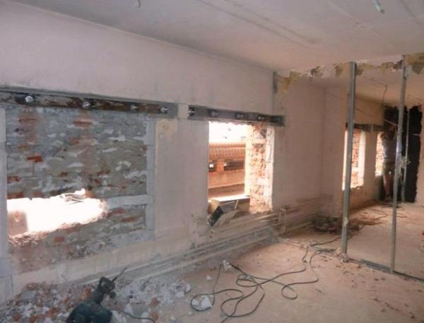Реконструкции проемов в стене