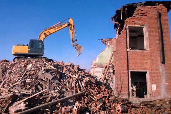 Механизированный снос зданий