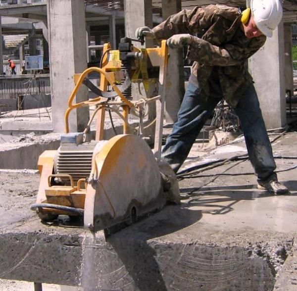 Резка бетона при строительстве