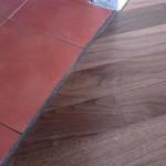 Оформление стыков между плиткой и ламинатом современными способами