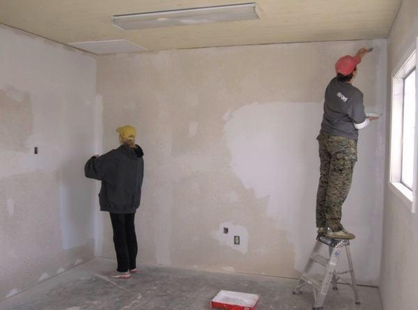 Ремонт стен в помещении