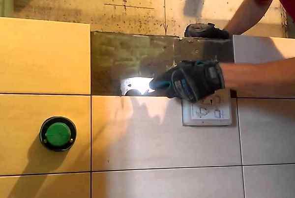 Отбивка керамической плитки без повреждений