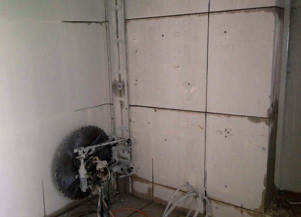 Демонтаж железобетонной стены