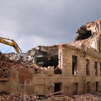 Снос старых зданий и сооружений в Москве
