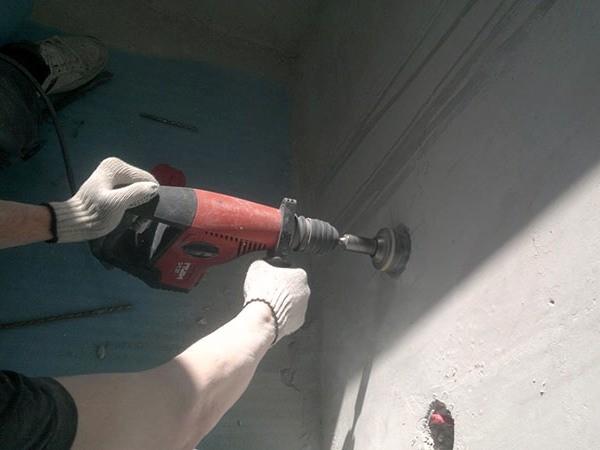 Сверление розеток в бетоне