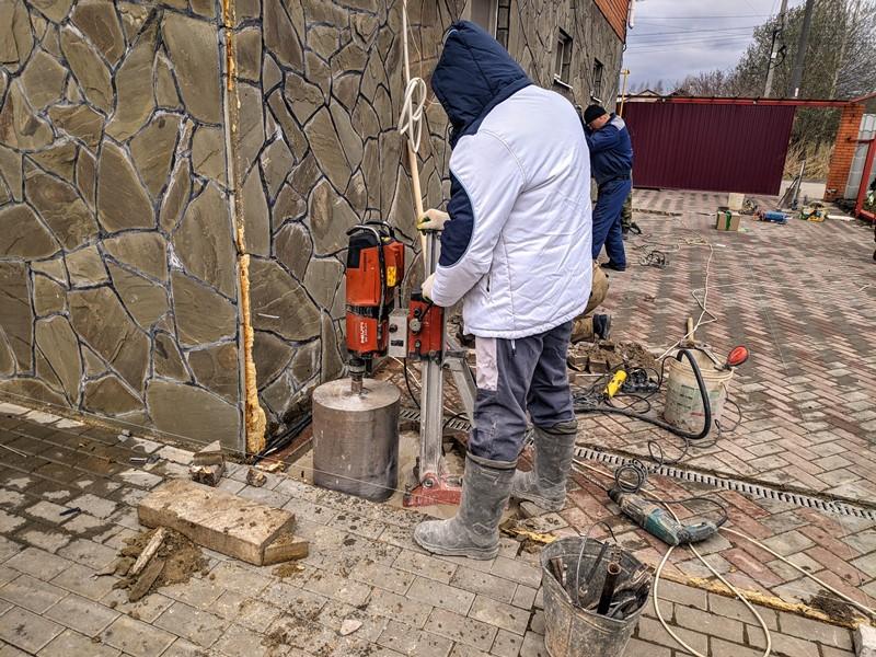 Алмазное бурение в бетоне
