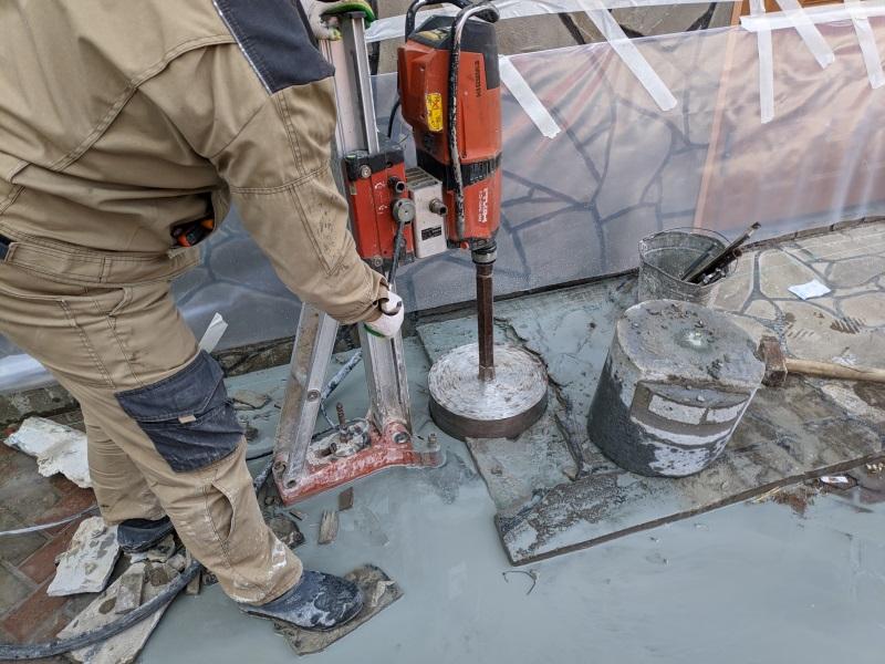 Алмазное сверление в бетоне