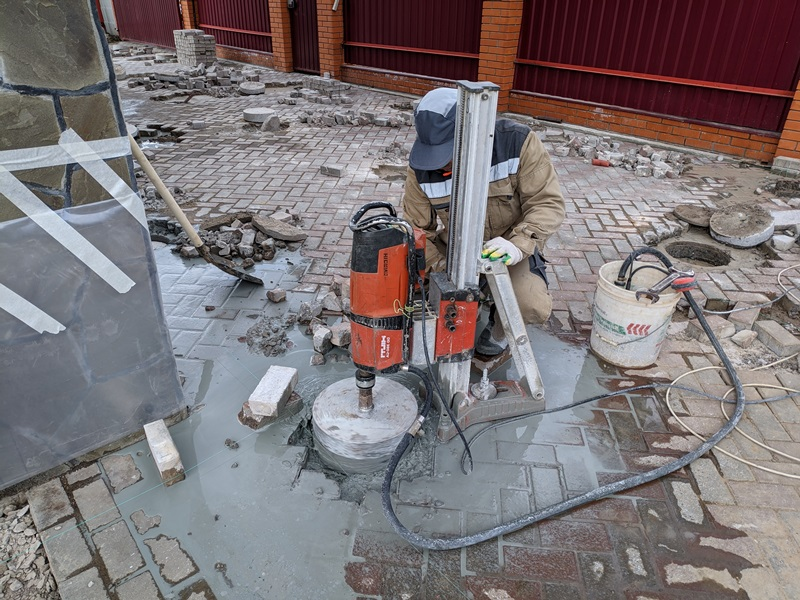 Пробивка отверстий в бетоне